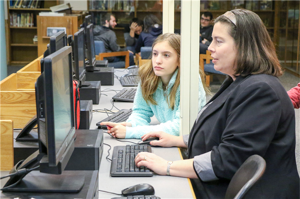 "Jr./Sr. High School Library Engaging Students through Friday ""Tech Tip"" Sessions"
